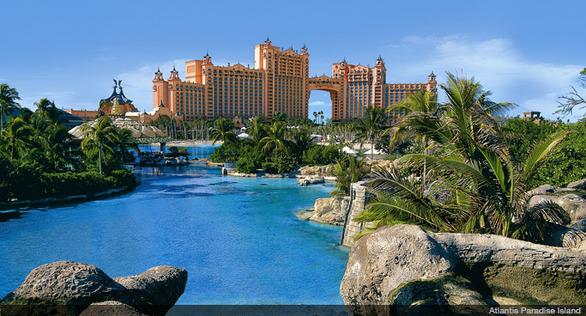 movies-in-paradise-island-the-bahamas